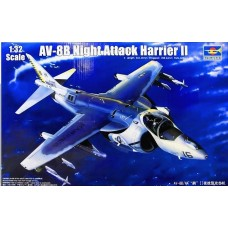 [TRUMPETER] AV-8B Night Attack Harrier II Escala 1/32